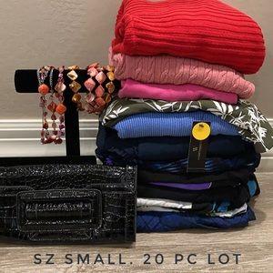 20 Pc Womens clothes lot Bundle Size SMALL
